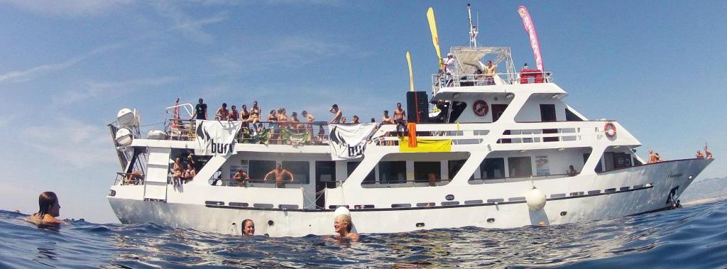 Abireisen Club Card Calella - Partyboot